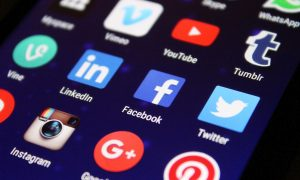 iPhone-socialmedia-dsgvo